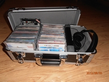 DJ QUATTRO cd 200 zwart  455x260x200